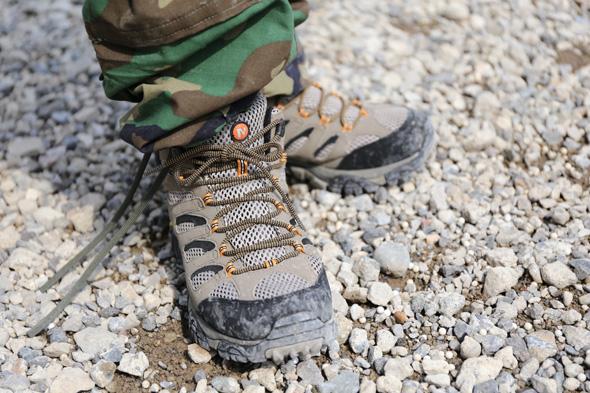 シューズ,靴,MERRELL Moab Mid GTX,サバゲー,サバイバルゲーム,格好,服装,ファッション, 装備,写真,カミース