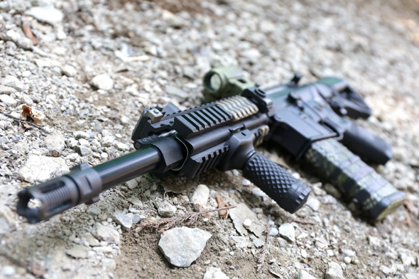 サバゲー,装備,エアガン,写真,Western Arms, M4A1 カスタム, Aimpoint T-1タイプ ドットサイト, MAGPUL