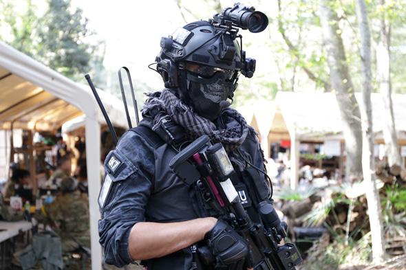 サバゲー,サバイバルゲーム,格好,服装,ファッション,装備,KRYPTEK迷彩,EMRSON OPS-CORE,ヘルメット