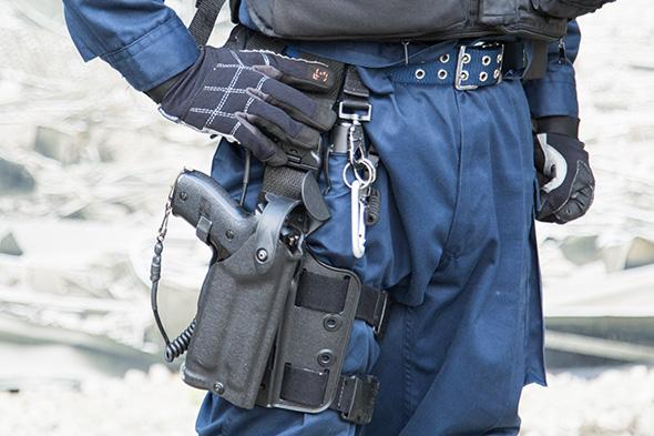 sg_fashion_snap_RO0730-01_POLICE-7