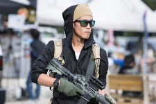 sg_fashion_snap_RO1023-07_PEACE-COMBAT-GAMES